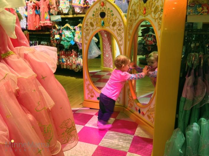 mall of america disney store